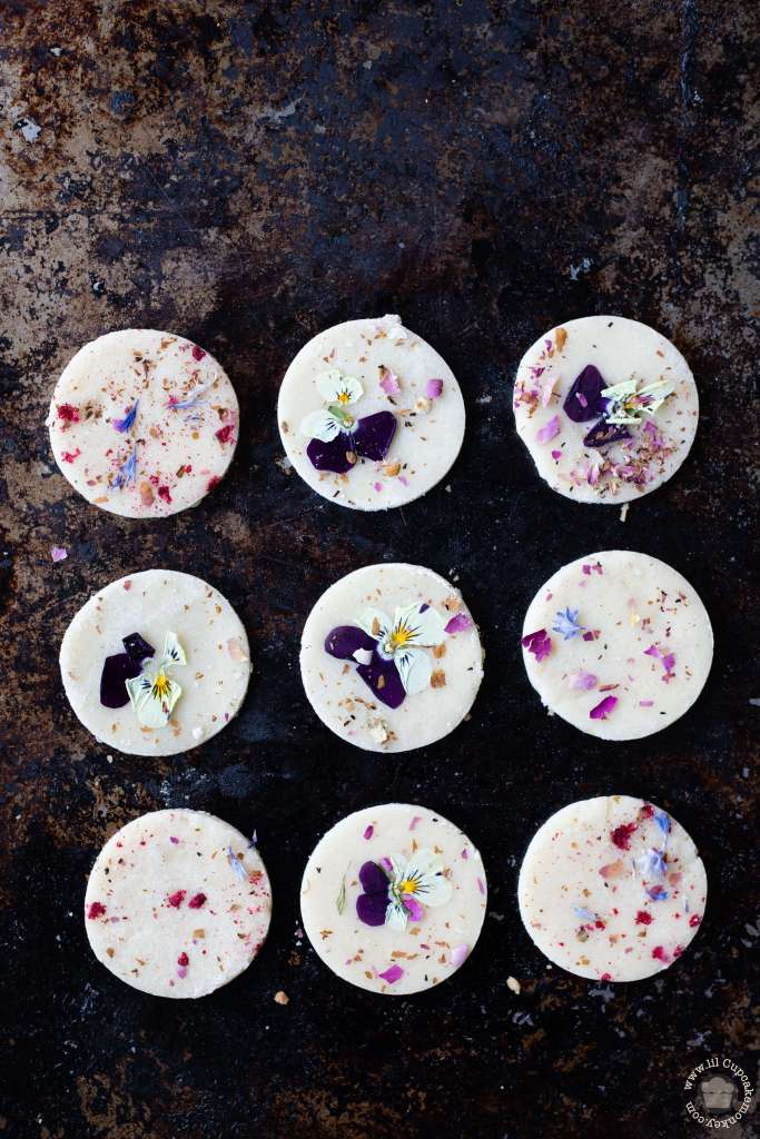 rose and raspberry shortbread_edible flowers | lilcupcakemonkey.com