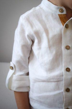 biala-koszula-dla-chlopca-wizytowa-szalowa-oryginalna-podwijane-mankiety-na-stojce-idealna-na-prezent-slub-rozpoczecie-roku-szkolnego-sesje-rodzinne-dzieciece-polska-marka-lilen