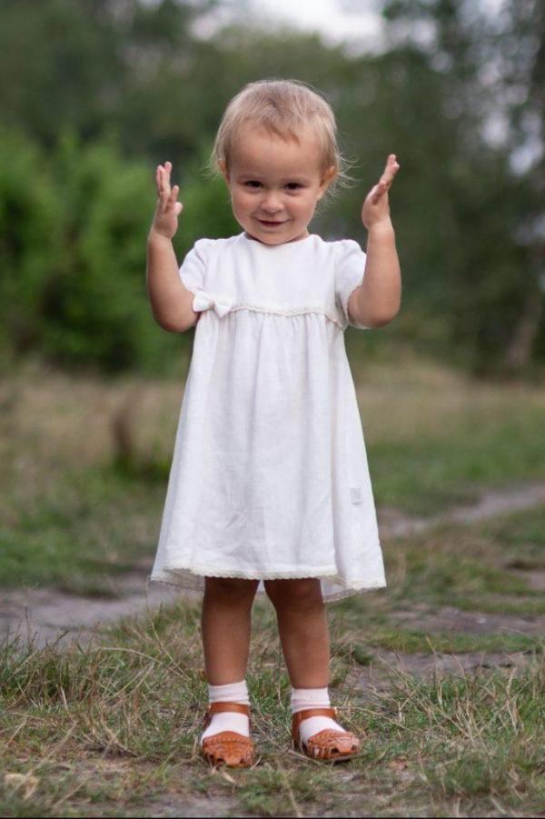 klasyczna-elegancka-sukieneczka-dla-dziewczynki-z-kokarda-koronka-od-polskiej-marki-lilen