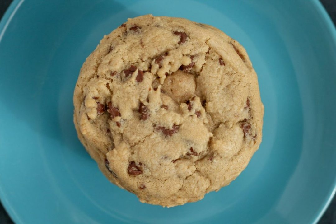 Mrs. Fields Knockoff Chocolate Chip Cookies