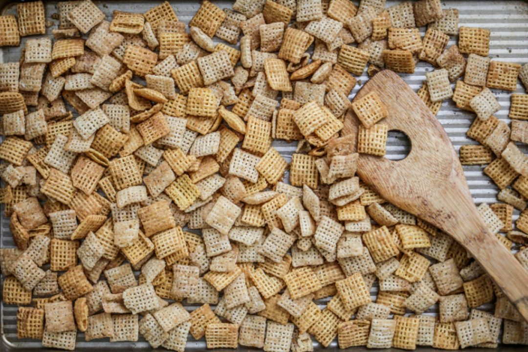 Liliesandloafers - Chex Mix