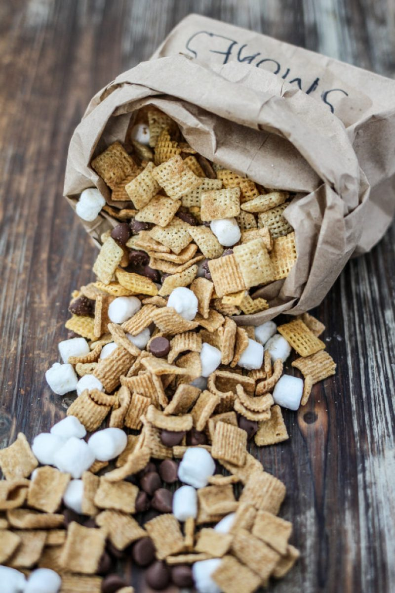Liliesandloafers - Camp Fire Chex Mix