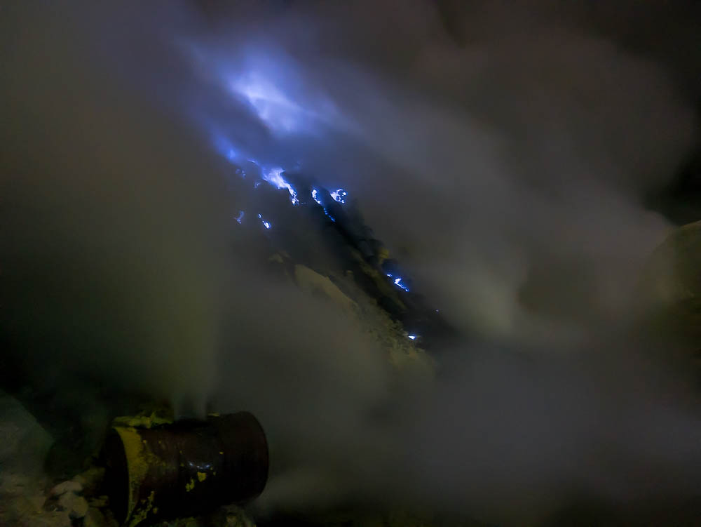 PRACTICAL GUIDE: KAWAH IJEN, INDONESIA - Taking the local tour to the sulphur mine and other options