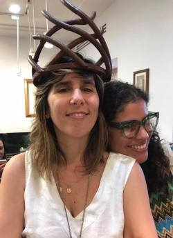 Coronas de Lilliam Nieves, colección Iron Maiden. Fotografía Rosario Fernández.