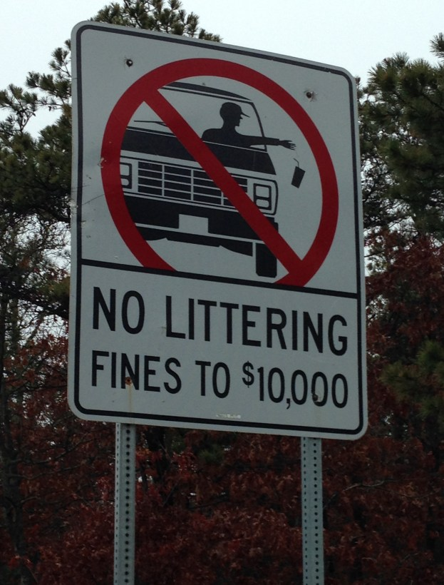 No_littering_sign_in_Cape_Cod
