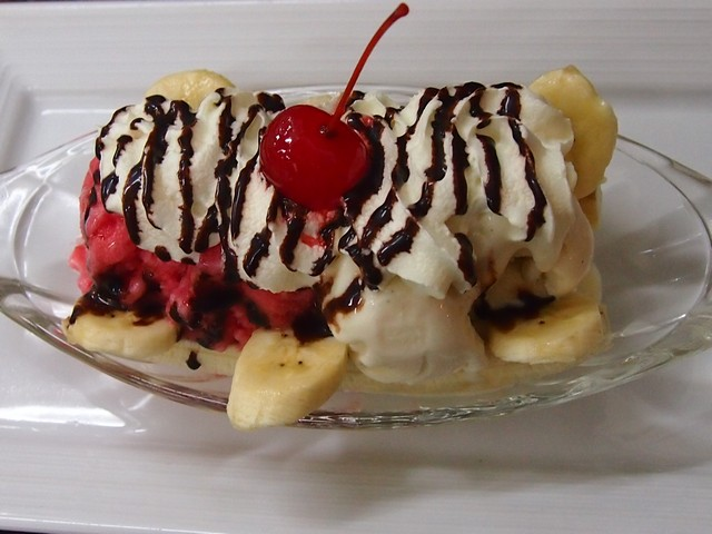 Banana split Lillo resort restaurant Kamala Beach