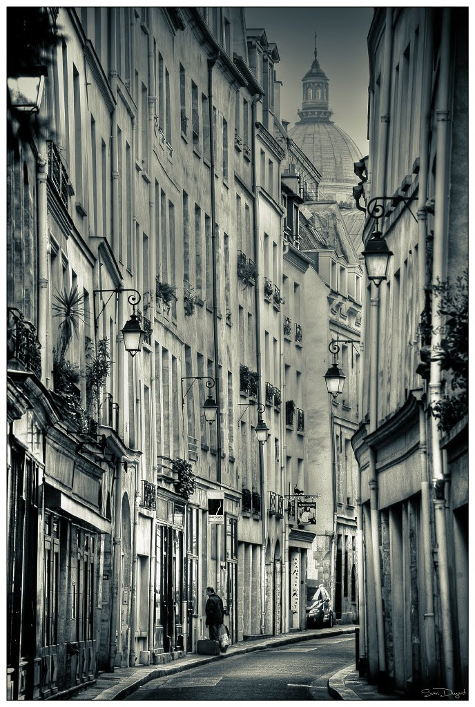 Lanterns, Paris, France