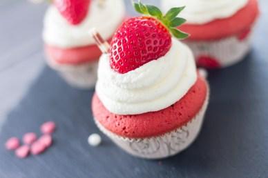 red-velvet-cupcakes-16
