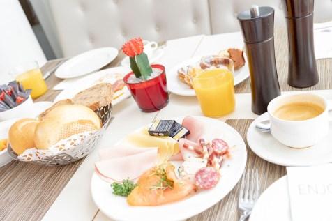 Frühstück im Seepark Hotel - Congress & Spa
