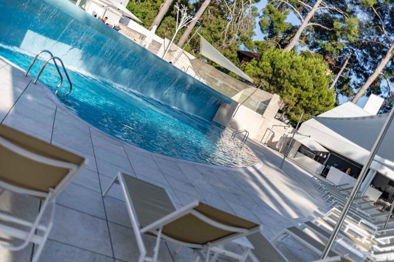 Poollandschaft im Hotel Bellevue