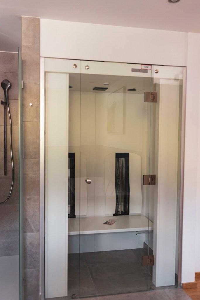 Infrarotkabine im Badezimmer