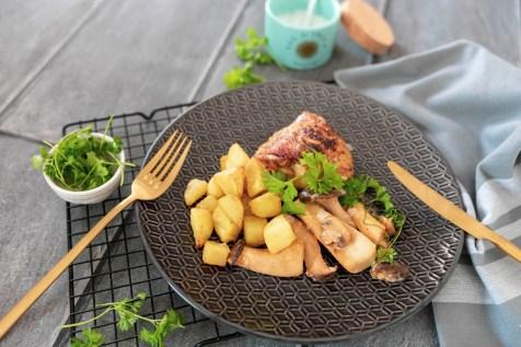 Parmesanhähnchen mit Pilzen und Bratkartoffeln