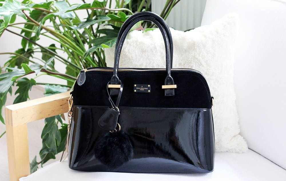 ff079307b94 The next thing that I'm going to show you is this a-ma-zing bag from Paul's  Boutique. I'm in love you guys! I'm actually really picky when it comes to  ...