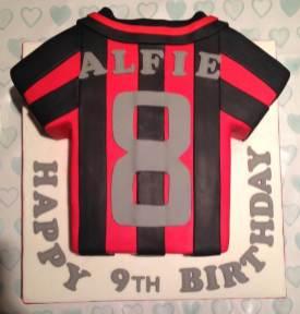 football-shirt-cake