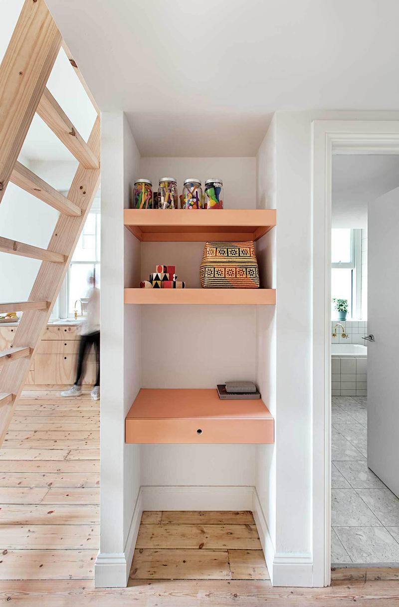 Apartamento pequeno e perfeito para um casal jovem com