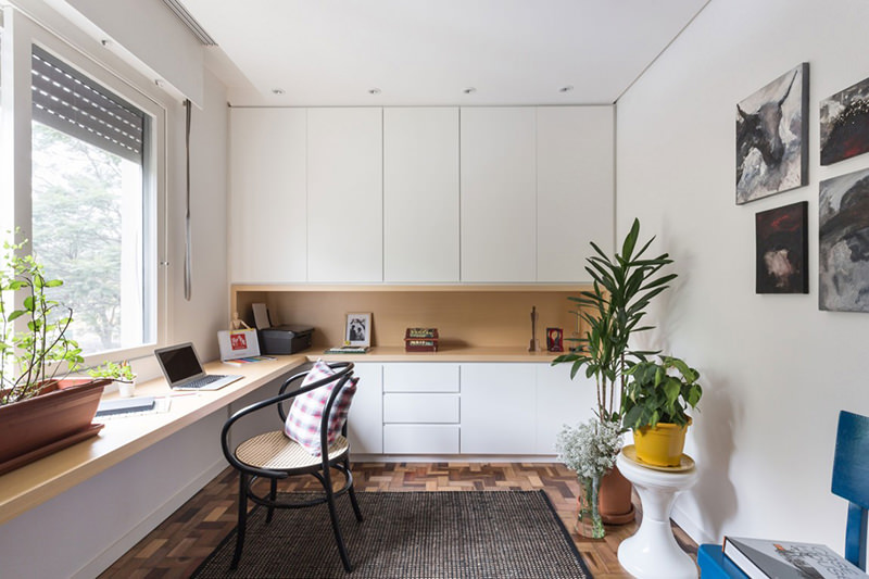 Apartamento pequeno moderno e perfeito para um jovem