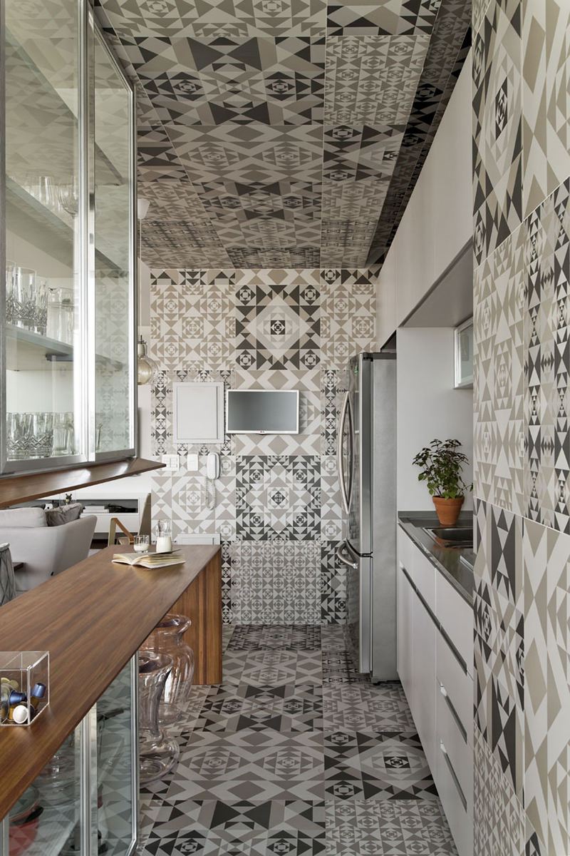 Apartamento com linda cozinha revestida com cermica