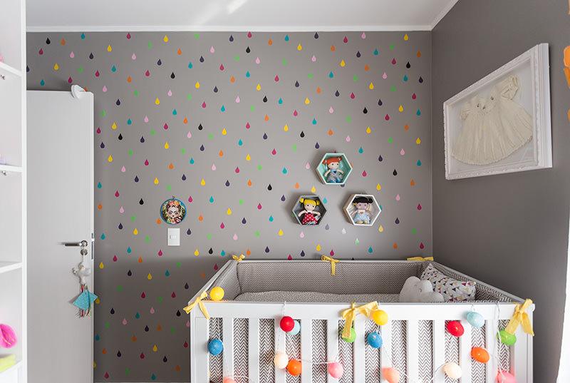 Um quarto de beb feminino e pequeno para voc se inspirar