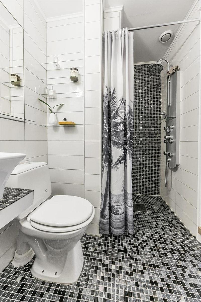 Apartamento pequeno com charmosa parede de pedra  limaonagua