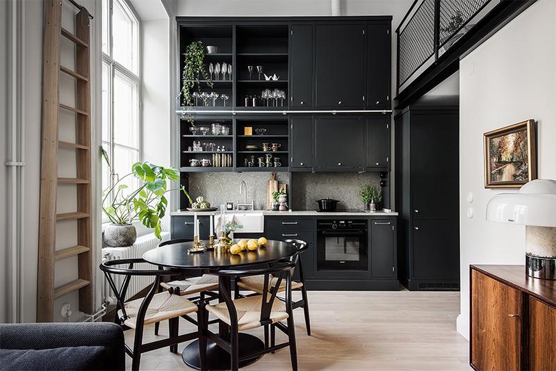 Lindo apartamento pequeno com p direito alto  limaonagua