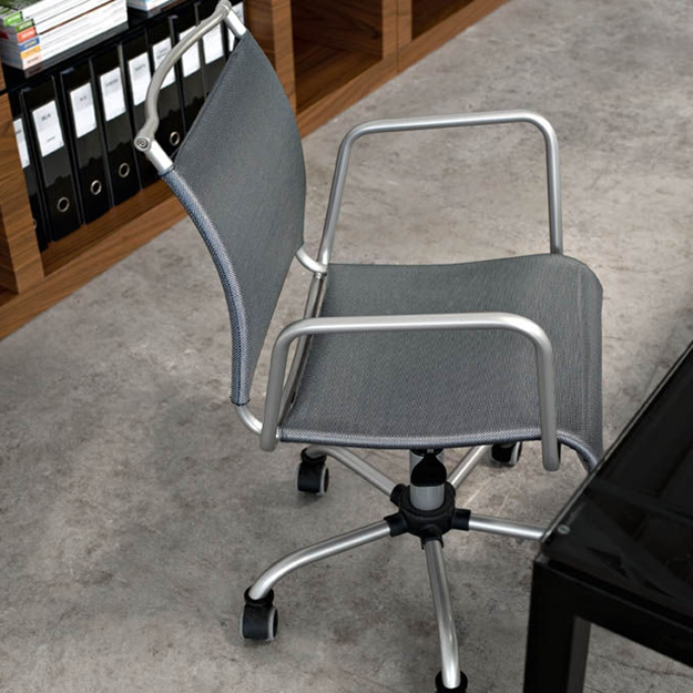 race seat office chair base wheel in delhi calligaris air