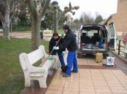 limpieza-mobiliario-urbano