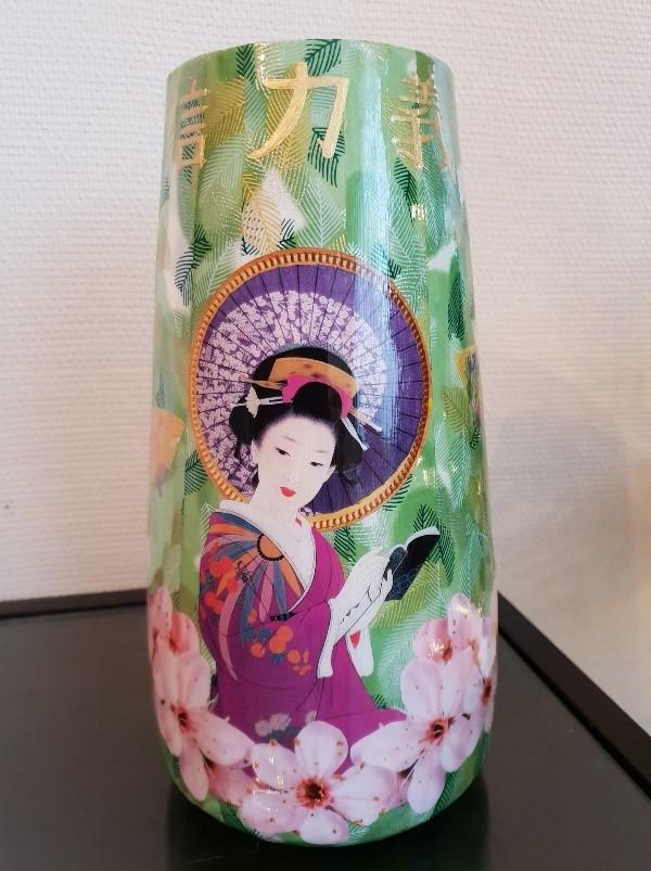Découpage sur vase - motifs japonais - verso
