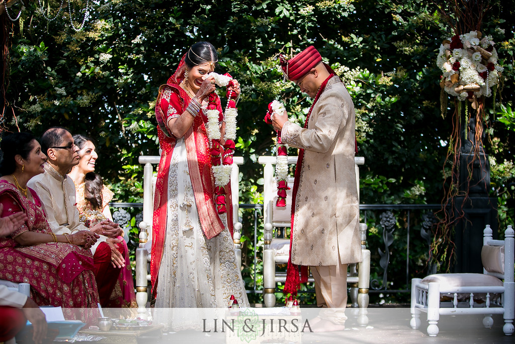 Varmala  Indian Wedding Tradition