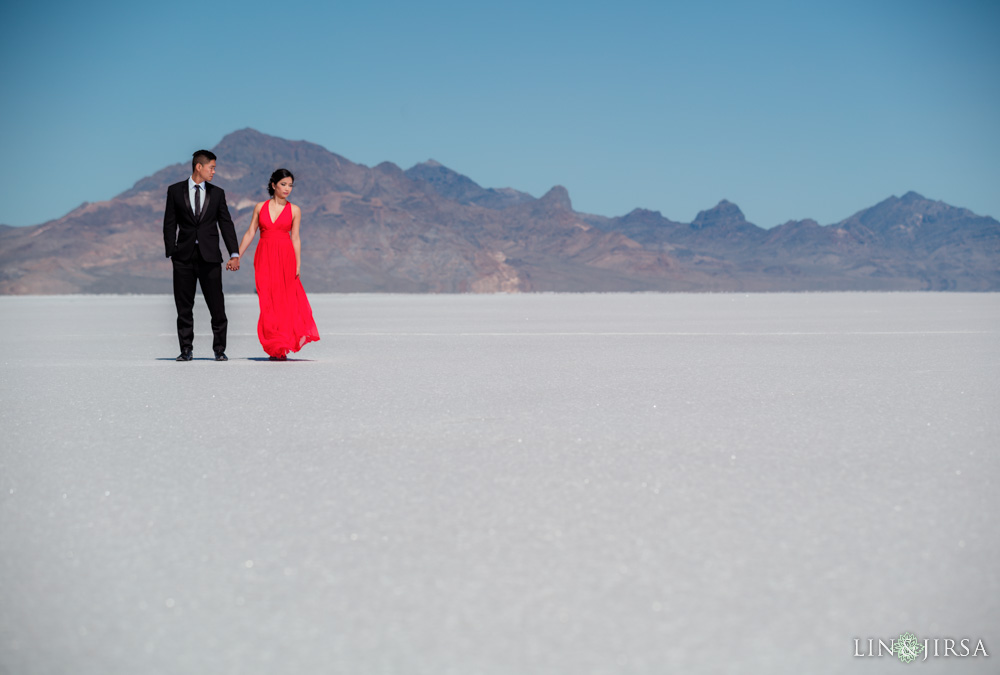 Bonneville Salt Flats Engagement Photography  Vy  Chris