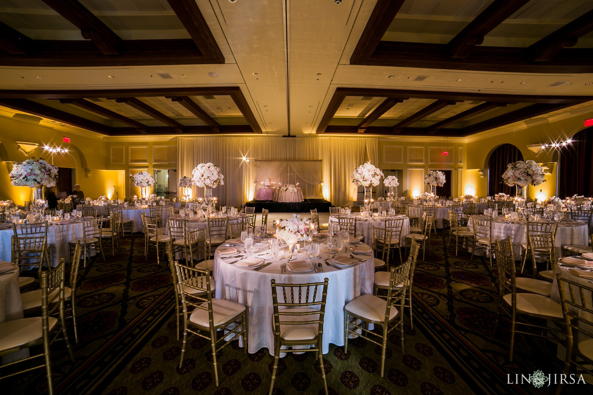 chiavari chairs wedding best nursing chair hyatt regency huntington beach | joanna & ed