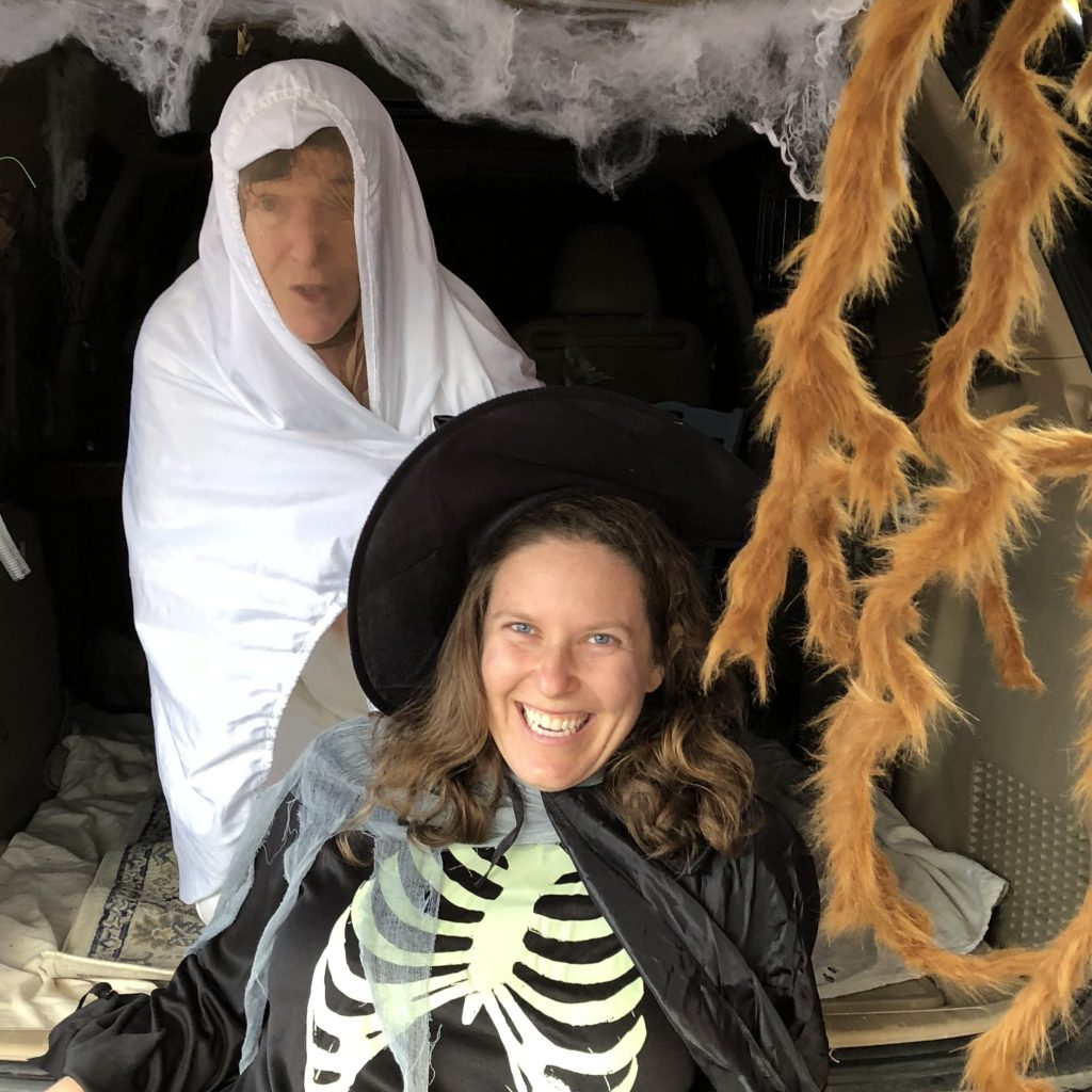 Jeannine and Jess in costume @ trunk-or-treat