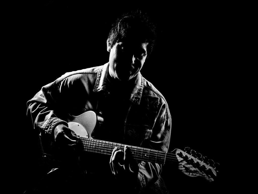 Marvin Bergh, muzikant, bedrijfsfotografie, Media, fotografie, fotograaf, Gitaar, Podium,