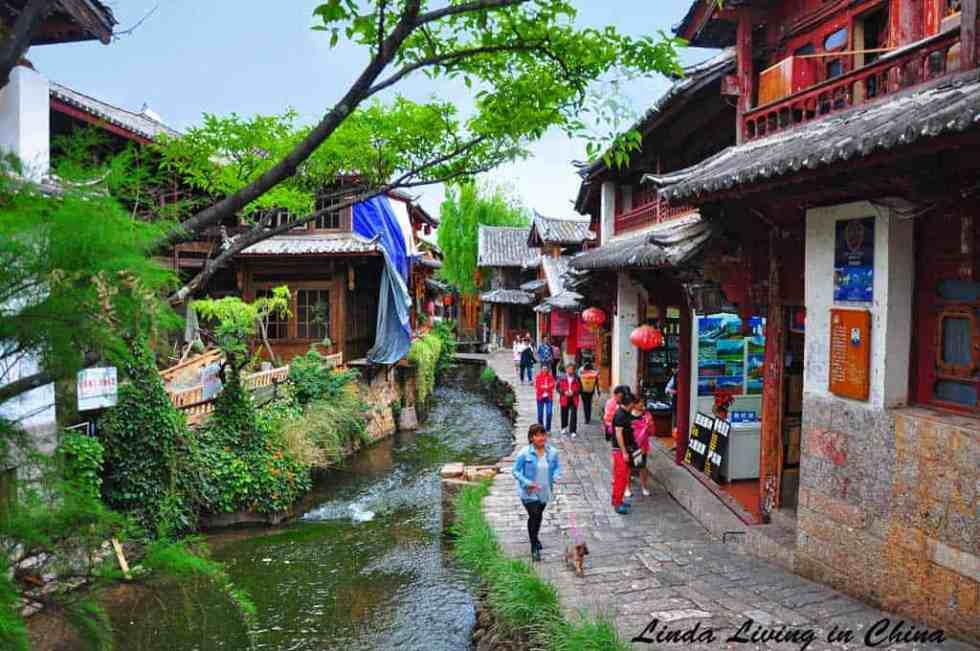 How To Explore Lijiang in 48 Hours