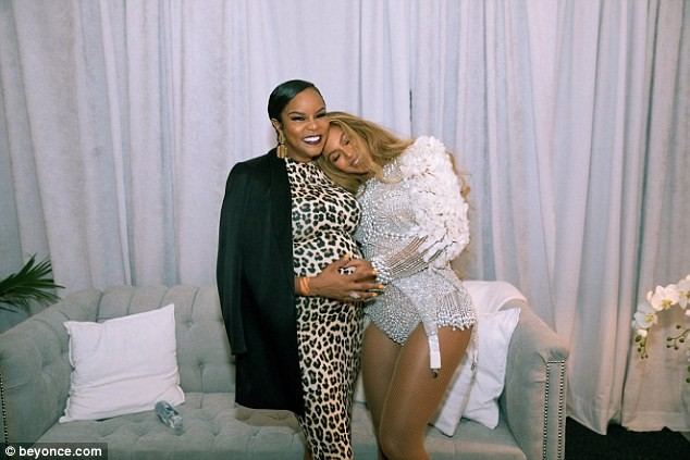 Beyonce poses with former Destiny's Child bandmate LeToya Luckett who was kicked out of the group in 2000