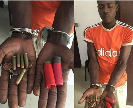Photo: 25-year old cart pusher arrested with 5 live bullets, 2 cartridges in Lagos