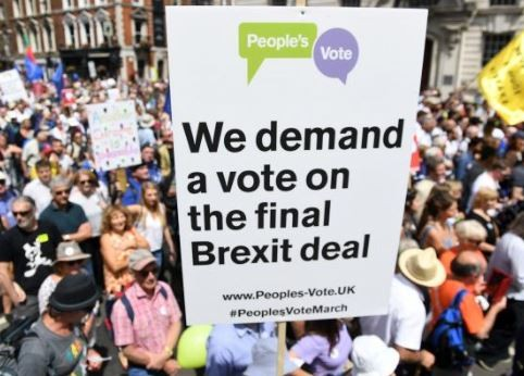 Over half a million protesters march in London to demand new vote on Brexit