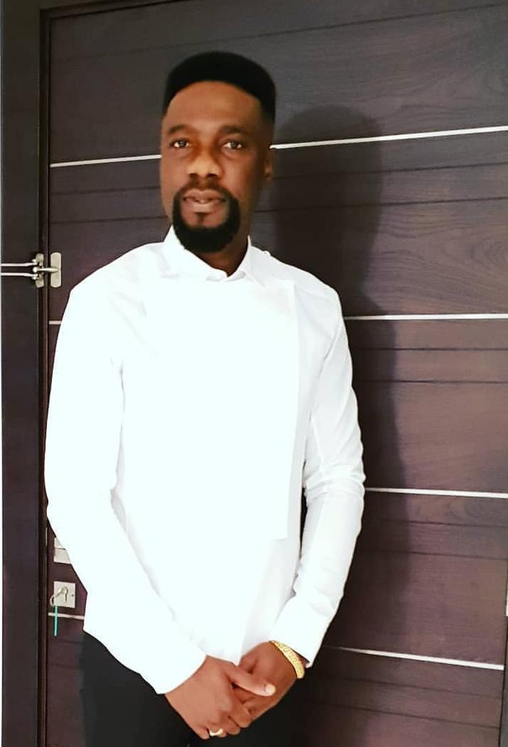 Ambassador Efe Martins supports entrepreneur with #5million