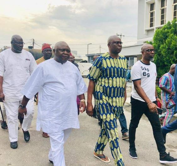 After two weeks in detention,Fayose regains freedom from EFCC custody