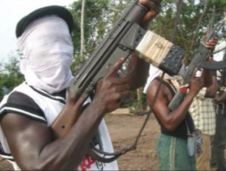 Armed robber mistakenly shoots his gang member while escaping after an operation in Bayelsa State