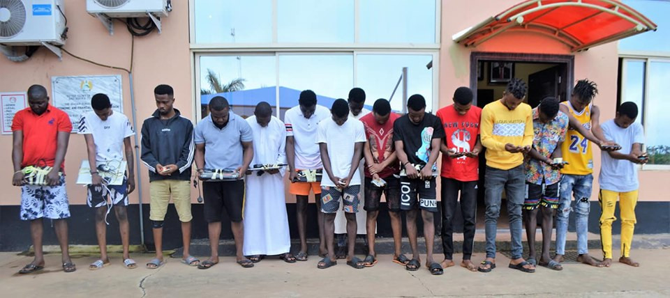 , EFCC arrests 15 suspected Yahoo Yahoo boys in Ibadan, foils suspect's attempt to flush phone (photos), All 9ja
