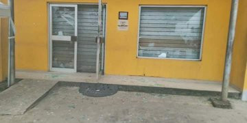 Nigerians attack MTN office in Uyo lindaikejisblog 2