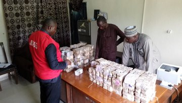 EFCC recovers N65.5million in Zamfara INEC Office lindaikejisblog