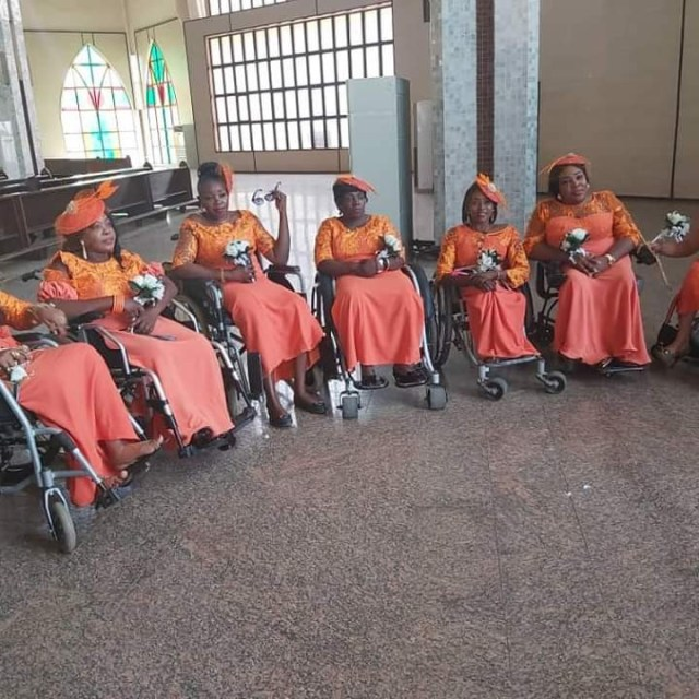 Nigerian lady in wheelchair weds her husband in Abuja with a bridal train of ladies on wheelchair lindaikejisblog 3
