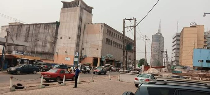 Man shares photos of a street in Ibadan in 1976 and 2020, and not much has changed lindaikejisblog 3