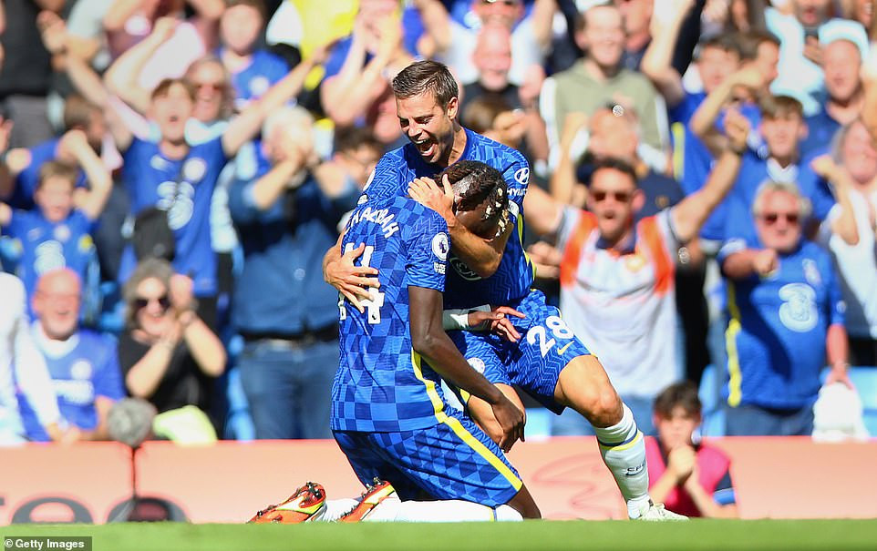 Chelsea begin hunt for premier league title with 3-0 win over Crystal Palace
