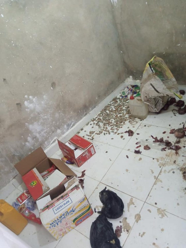 Nigerian lady shares photos of dirty house of a Benin 'big boy' she visited  4