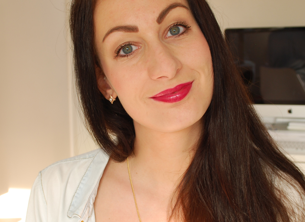 Yves Rocher zéro défaul mattifying and long-lasting lip primer swatch radiant lip crayon Pourpe lumineux