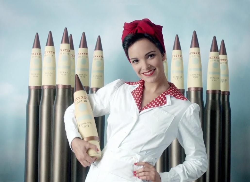 Bomb girls netflix nederland series modern kostuum drama