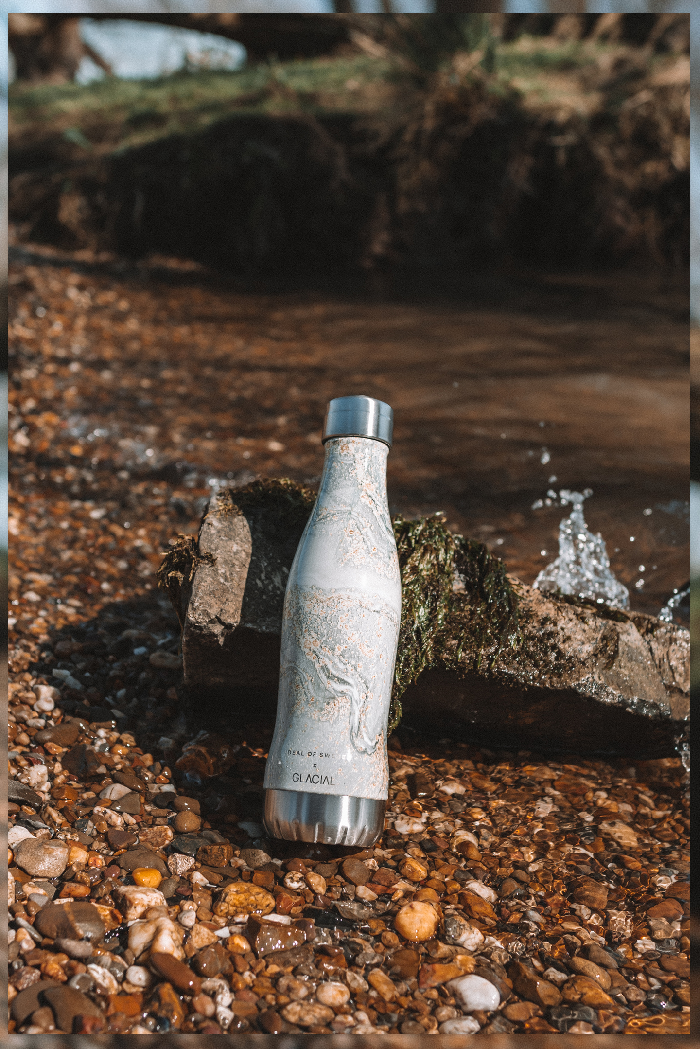 Een trendy waterfles iDeal of Sweden x Glacial Campaign