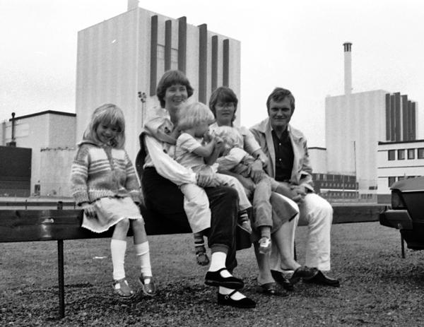 Kärnkraftverket i Forsmark var ofta vårt utflyktsmål när vi hade besök, här en gång 1981.